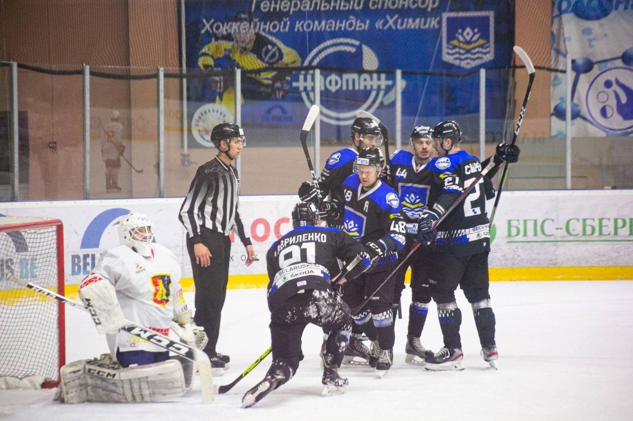 Хоккейный клуб «Лида» на выезде уступил «Химику».
